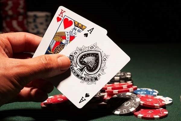 Top những game bài ăn tiền thật uy tín