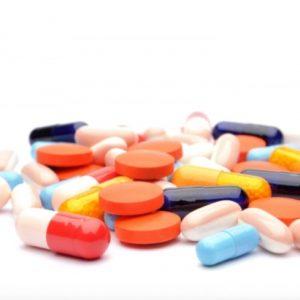Không nên quá lạm dụng thuốc kháng sinh để trị ho cho trẻ em